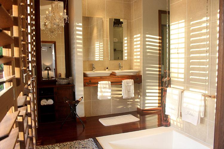 Kitari Room Bathroom